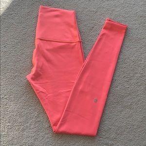 lululemon athletica Pants - Lululemon Wunder Under leggings (size 6)